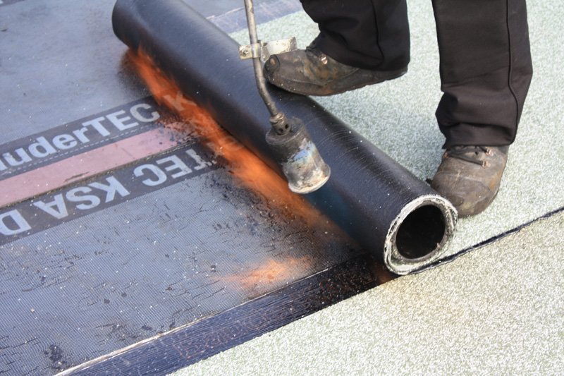 Dachdecker flachdach  Dachdeckerei | Berheide & Kozlik Bedachungen